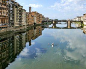 Arno e ponte alla Carraia Firenze