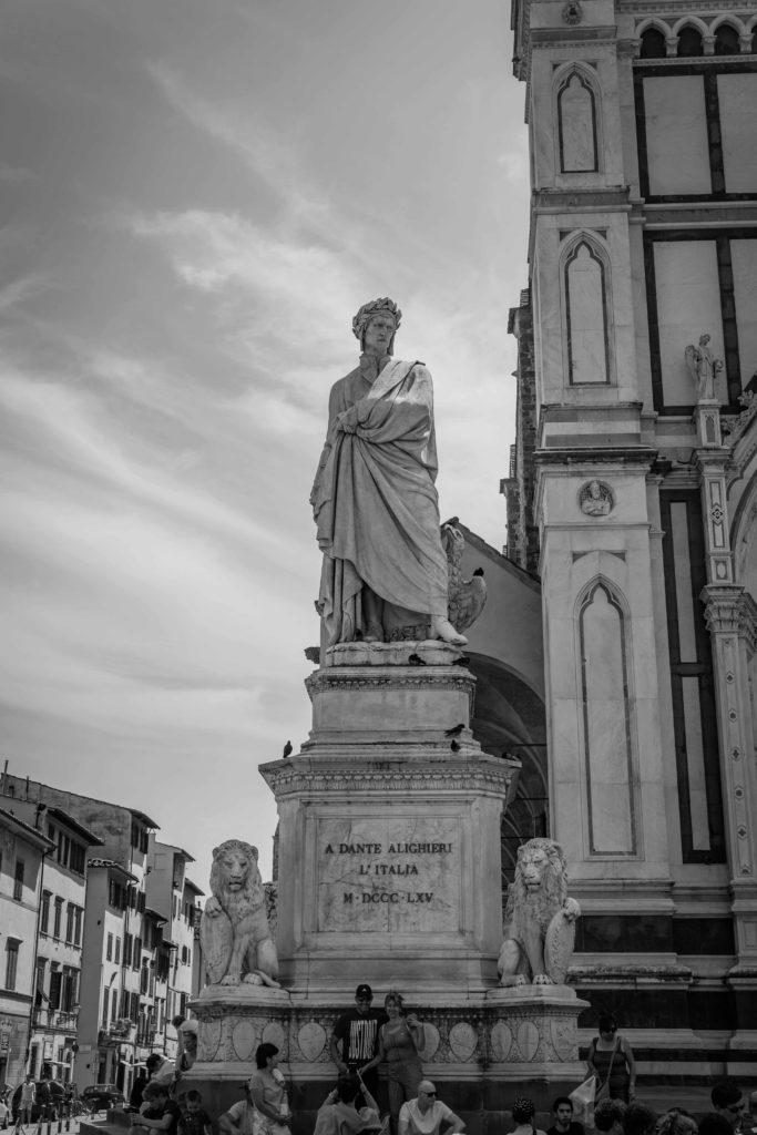 Statua di Dante Santa Croce