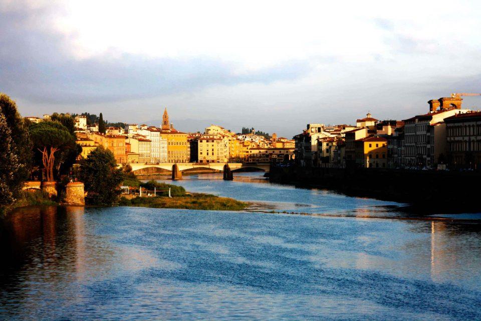 Fiume Arno e ponti di Firenze